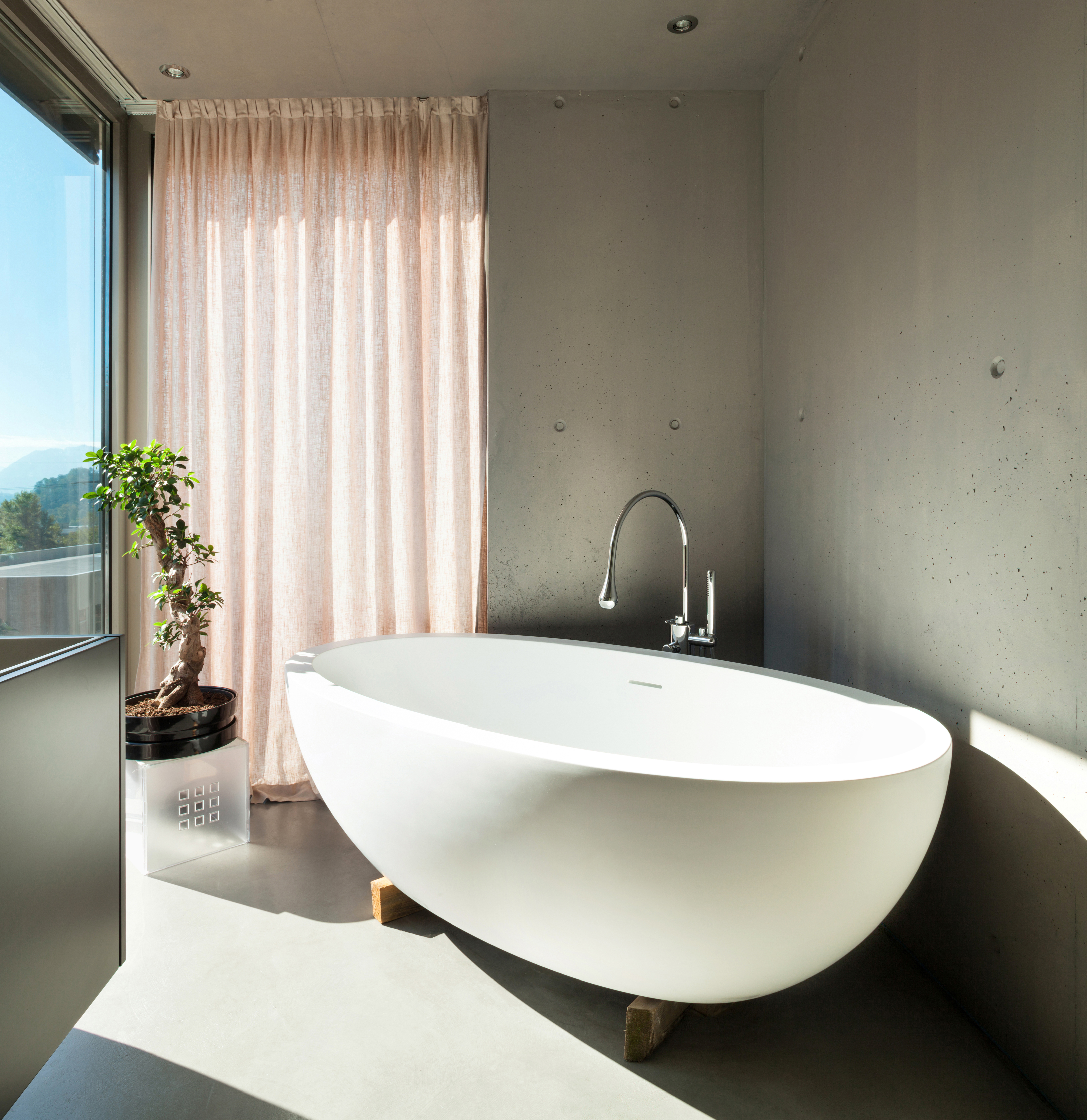What is the most comfortable style of bathtub?